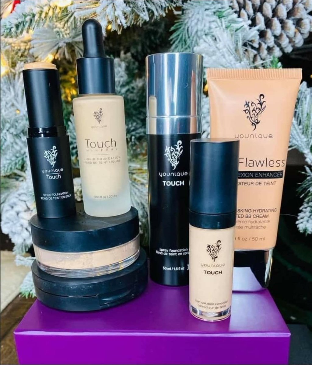 Holiday Bliss Bundle 4  Put your best face forward for the holiday season.  You'll be picture perfect with this bundle.  Choose any foundation and Younique's new skin solution concealer.  Save up to 31% 💕  #younique #bundlebliss #makeup #foundation #concealer