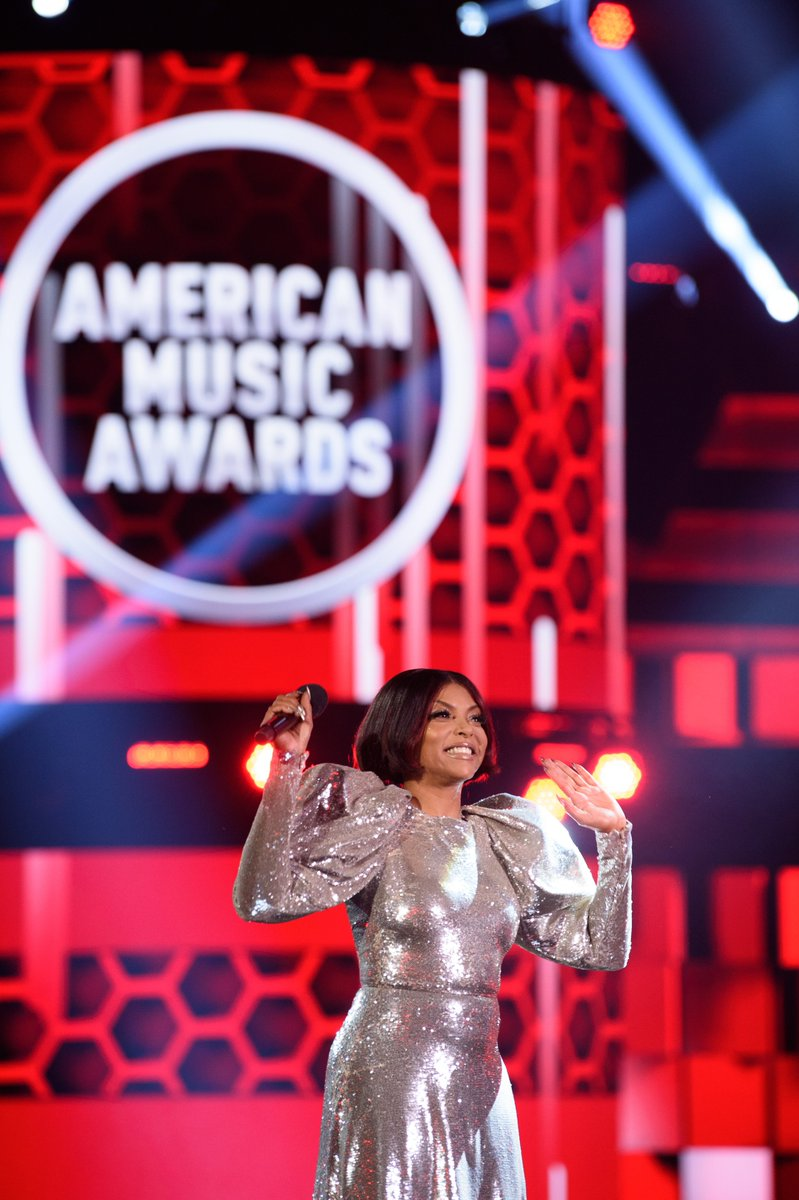Another host appreciation post ❤️ #AMAs @tarajiphenson