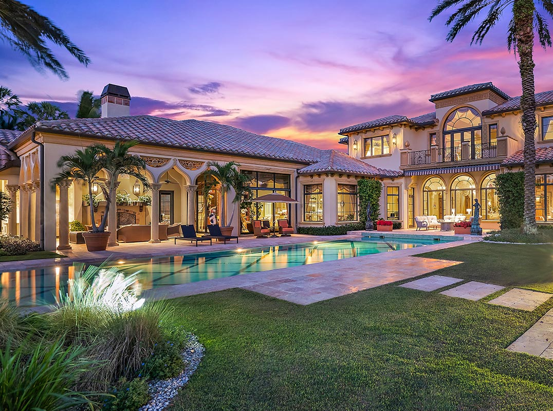 The Palm Beaches Stunning Mediterranean overlooking the 2nd fairway https://t.co/8s1WgXAya1 Listed by: Lynda Smith & Denise Long | One Sotheby's Intl RE  #luxuryhomemagazine #luxury #home #architecture #design #inspiration #lifestyle #realestate #luxurylife #realtor #florida https://t.co/FMMauymoej