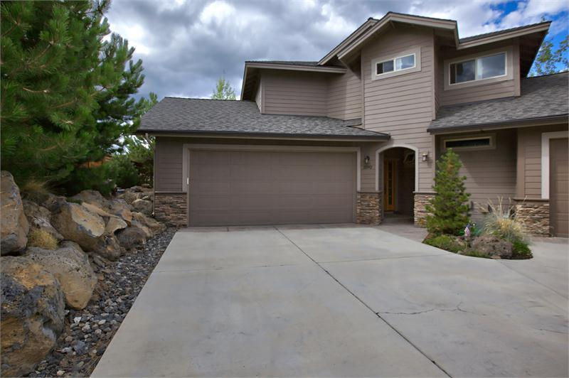 Bill Panton would love to show you the #listing at 2592 NW Awbrey Point Circle #Bend #OR  #realestate https://t.co/w5Sks1dJDD https://t.co/cQiEmA3jfL