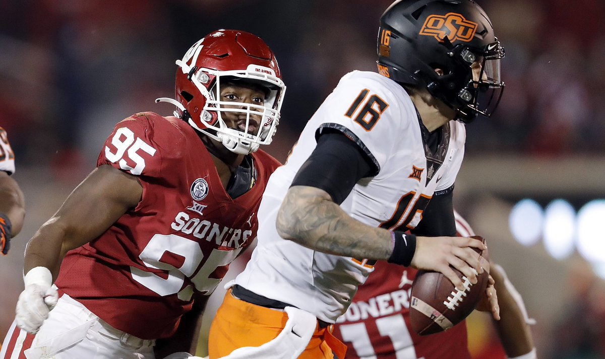 Weekly photo opp with @Isaiah_t55. Who's in? Big 12 quarterbacks: