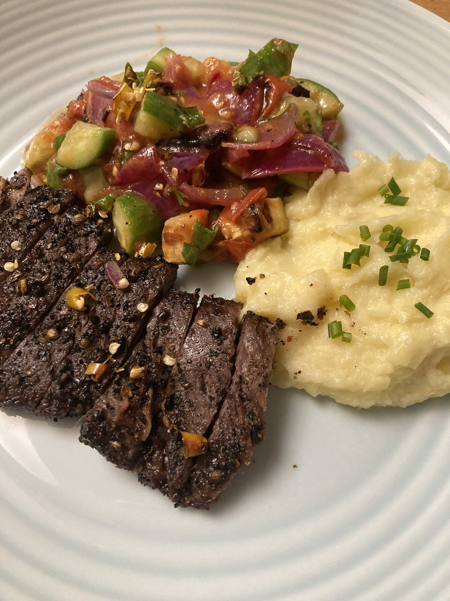 Fresh ground coffee, coriander, cardamom, dried red chili rub... skirt steak (couldn't get my hands on a hanger steak), burnt kamchumber salad, with a parsnip-potato purée. Exquisite flavors @abrowntable!New to me. I will have to tweak a thing or two.