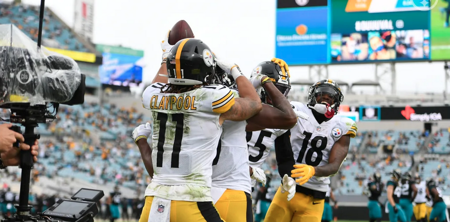 Canadian rookie Chase Claypool is enjoying every minute of the #Steelers 10-0 start to the #NFL season   Via @JDunk12     #HereWeGo l #NFLTwitter l @ChaseClaypool