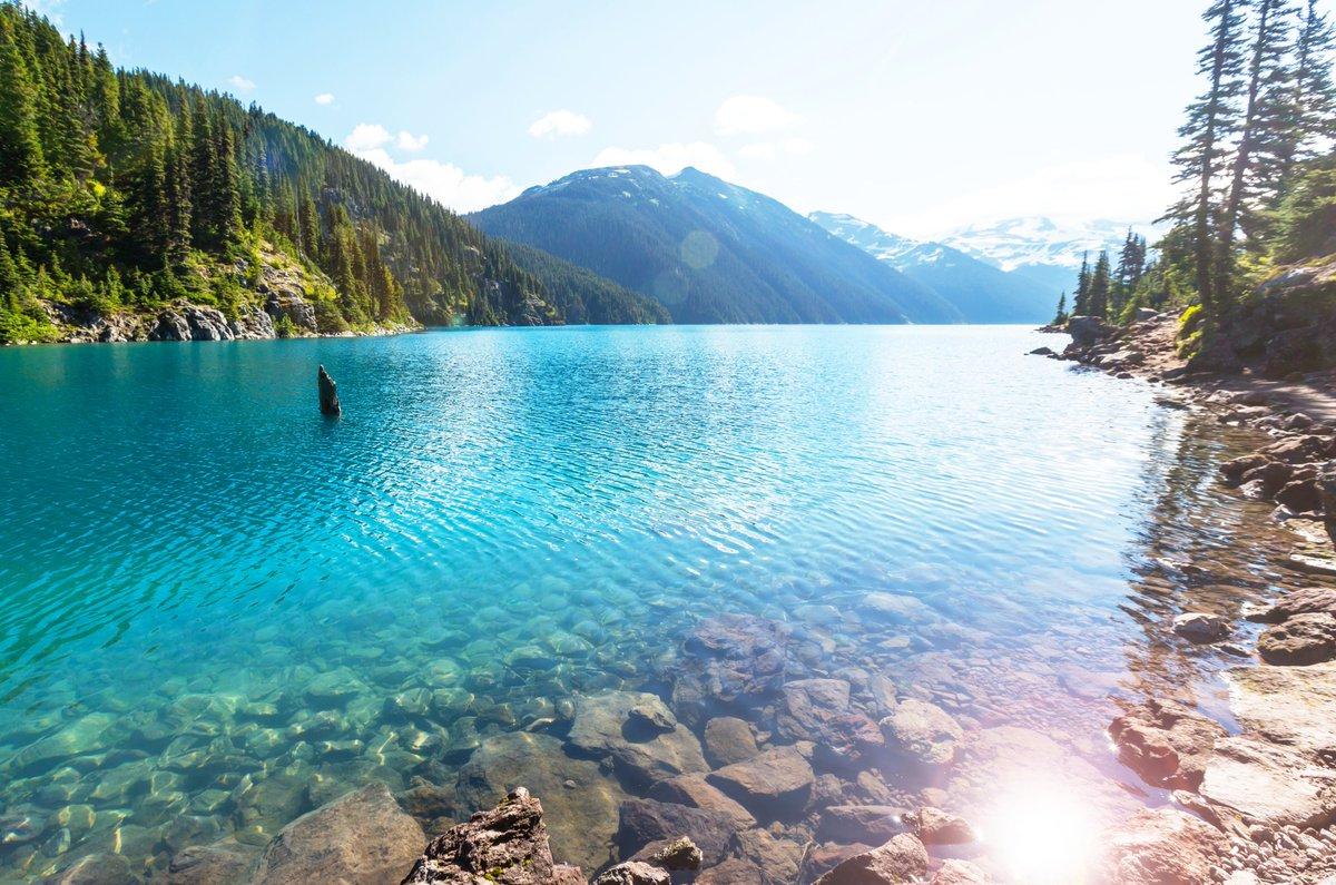 Very popular hike destination in British Columbia-Garibaldi Lake near Whistler. . . #destination #LAKE #travelling #Explore #Wanderlust #farenexus #Montreal #Canada https://t.co/kInjXnaE5f