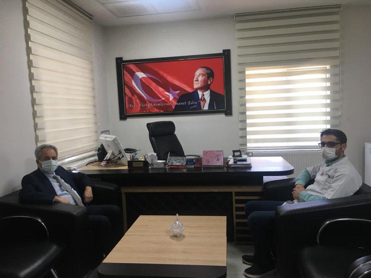 BAŞKAN AKKAYA'DAN BAŞHEKİM ÜLKÜ'YE ZİYARET:  Akşehir Belediye Başkanı Dr. Salih Akkaya, Diş Hekimleri Günü ve Ağız Diş Sağlığı Haftası münasebetiyle Akşehir Ağız ve Diş Sağlığı Merkezi'ni ziyaret ederek Merkez Başhekimi Dt. Yasin Nuri...  Devamını Oku: https://t.co/QcbrXXMyKc https://t.co/KLVQRlZMTw