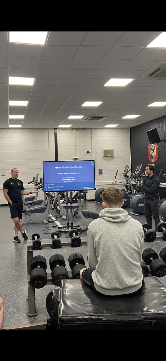 The HND students having @cvassallocv in as a guest.  He built his reputation whilst working with England Cricket and until more recently with Arsenal FC Youth Academy. He is currently working with Hintsa and Co-owns Traainer (https://t.co/tlj8XbxpMU)   Invaluable take home advice https://t.co/sQvvvhFrw8