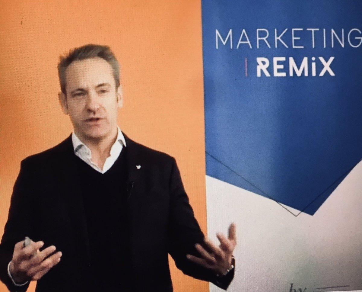 Marketing remix ou comment se reconnecter selon @Viuzfr @damienviel @TwitterFrance #marketingremix  #Conference   #seminairetwitter  @camillejourdain