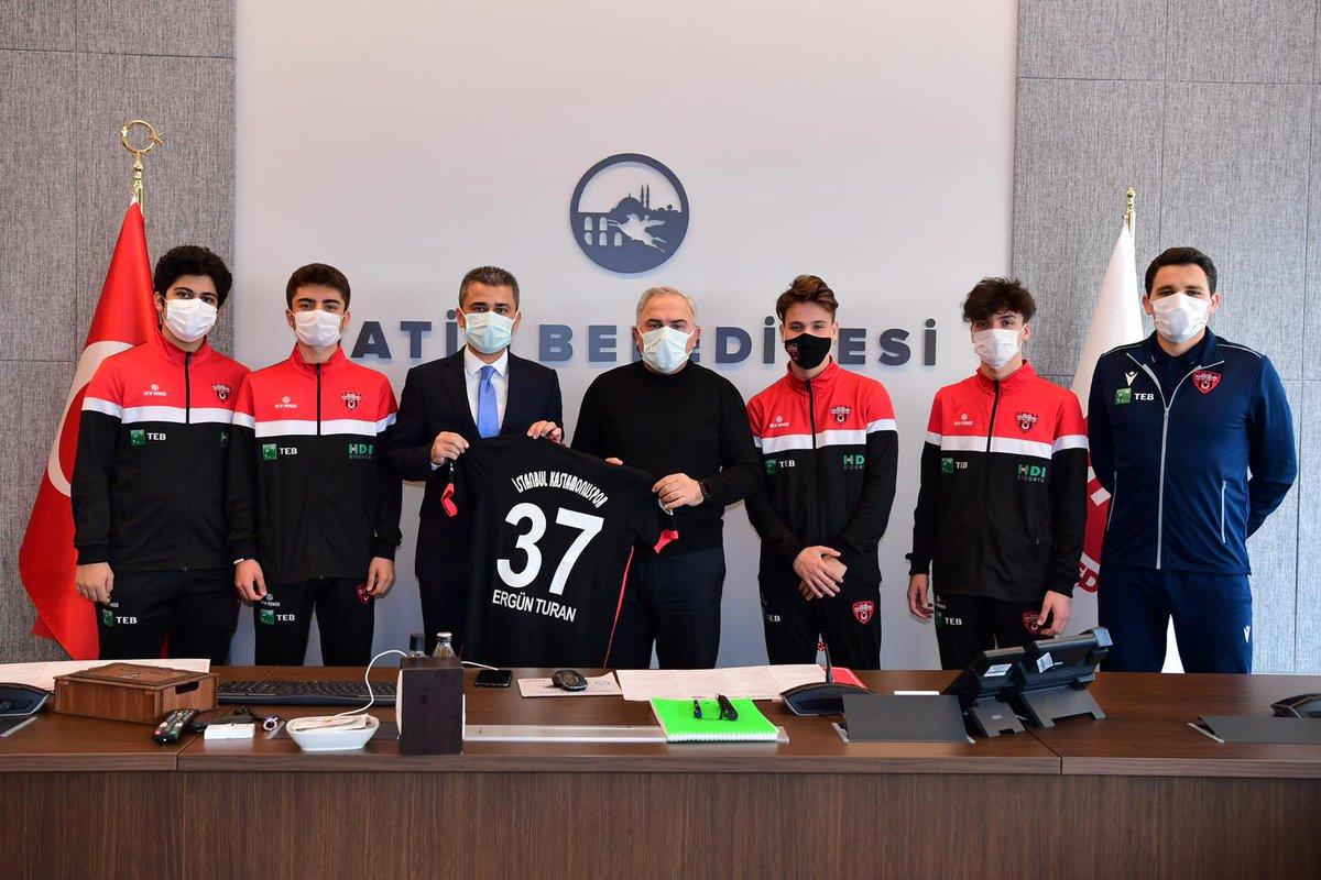 İstanbul Kastamonu Gençlik ve Spor Kulüp Başkanı Dr. İlker Dilek, sporcuları ve yönetimi bizleri ziyaret etti.  Kendilerine sohbetleri için teşekkür ederim. https://t.co/H2uiyp6XZf