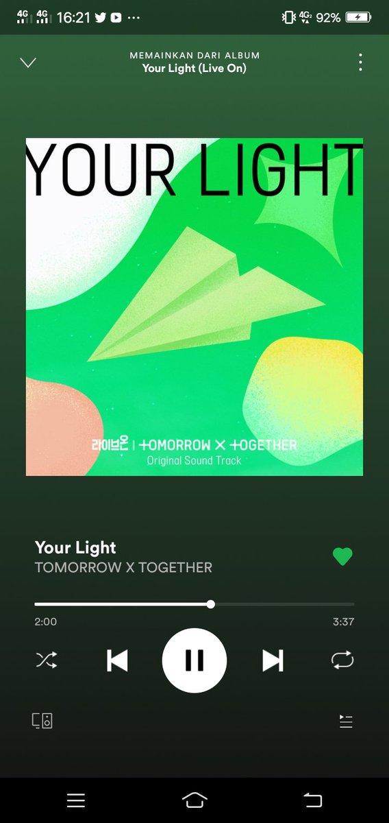drama nya aja seru apalagi yang nyayi soundtrack nya tubatu tambah akdjwkskhs😭💙  @TXT_members 💛💛💛 #모아의_빛_투바투_첫_OST #YourLight  #YourLightWithTXT