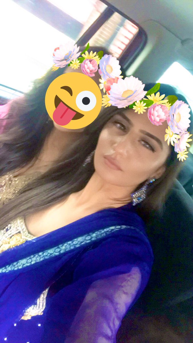 #pocforcorpse ft my cousin who doesn't want me to show her face 😜