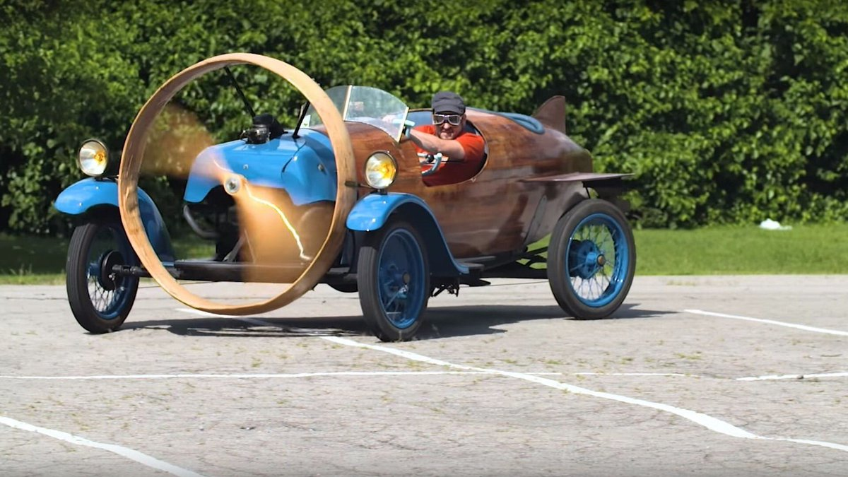 #Car 🚘 Awesome of the Day: #OOAK #Steampunk-ish ⚙️ Propeller-powered #Helicron Based on a #Rosengart Chassis & Built in #1932 in #France 🇫🇷 via @TannerDaKoolCid #SamaCars 🚗
