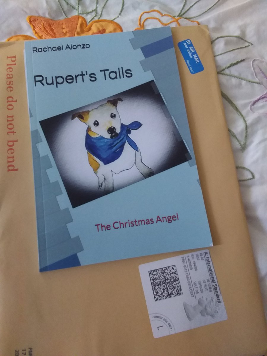 Very excited to receive this book in the mail today, personally pawprinted by @WeatherDog3 and with love. It's a gift for my granddaughter who we will see soon. Pretty impressed with the time it took to get to me in W Aus too. Thank you @Art71Rachael and sure it will be treasured