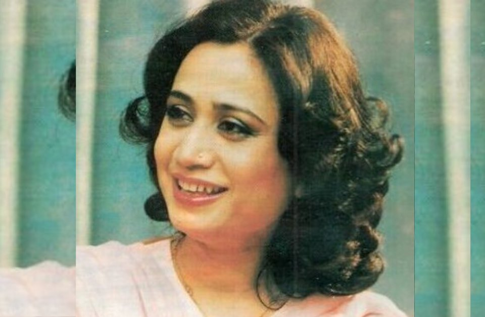 DilSe 💙❤️ Remembering legendary poet #ParveenShakir on her Birth Anniversary   In 1976, Parveen Shakir published her first volume of poetry Khushbu. She was awarded one of the highest honours of Pakistan, the Pride of Performance, for her outstanding contributions to literature.