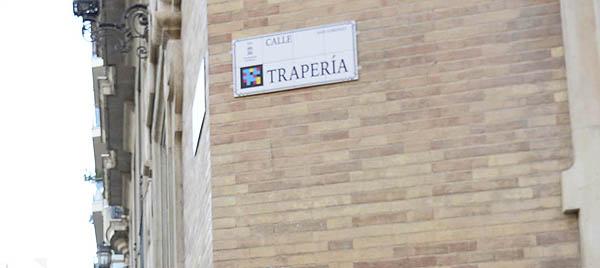 Placas con nombre de calles #inteligentes en @AytoMurcia   pueden «leerse» a través del teléfono móvil y permiten conocer la historia de la ciudad en diferentes formatos e idiomas. https://t.co/SmThgbIv1B a través de @Diseño de la Ciudad https://t.co/Whdnh1csBz