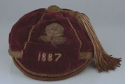 #rugby history Born today 24/11 in 1862 : Arthur Fagan (England) rugby v Ireland in 1887 https://t.co/aG2IwX0wTU https://t.co/w9cD0rHHDe