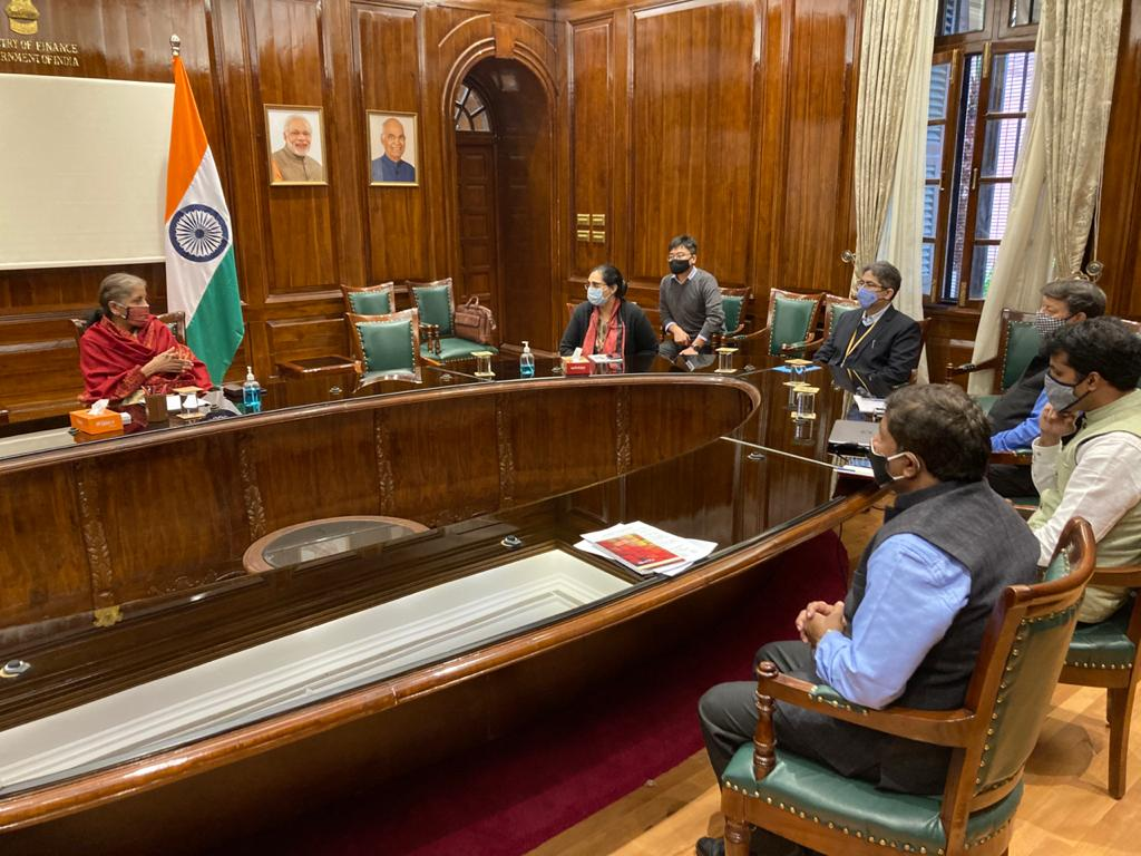 As a part of the ongoing series of interactions, Finance Minister Smt @nsitharaman interacted with the Directors and Deputy Secretaries of the FB, ADB, OMI Divisions, Administration Division, Vigilance Division and IPF Division of the Department of Economic Affairs.