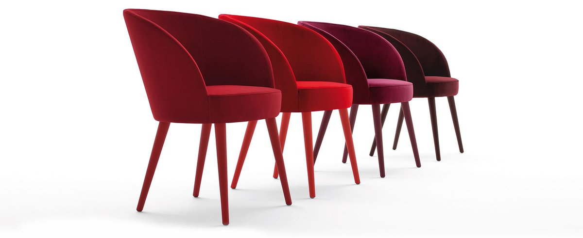 The upholstered monocoque of Rose can be adapted so that countless configurations can be achieved. Click below.  https://t.co/6Ya0HFSi8S