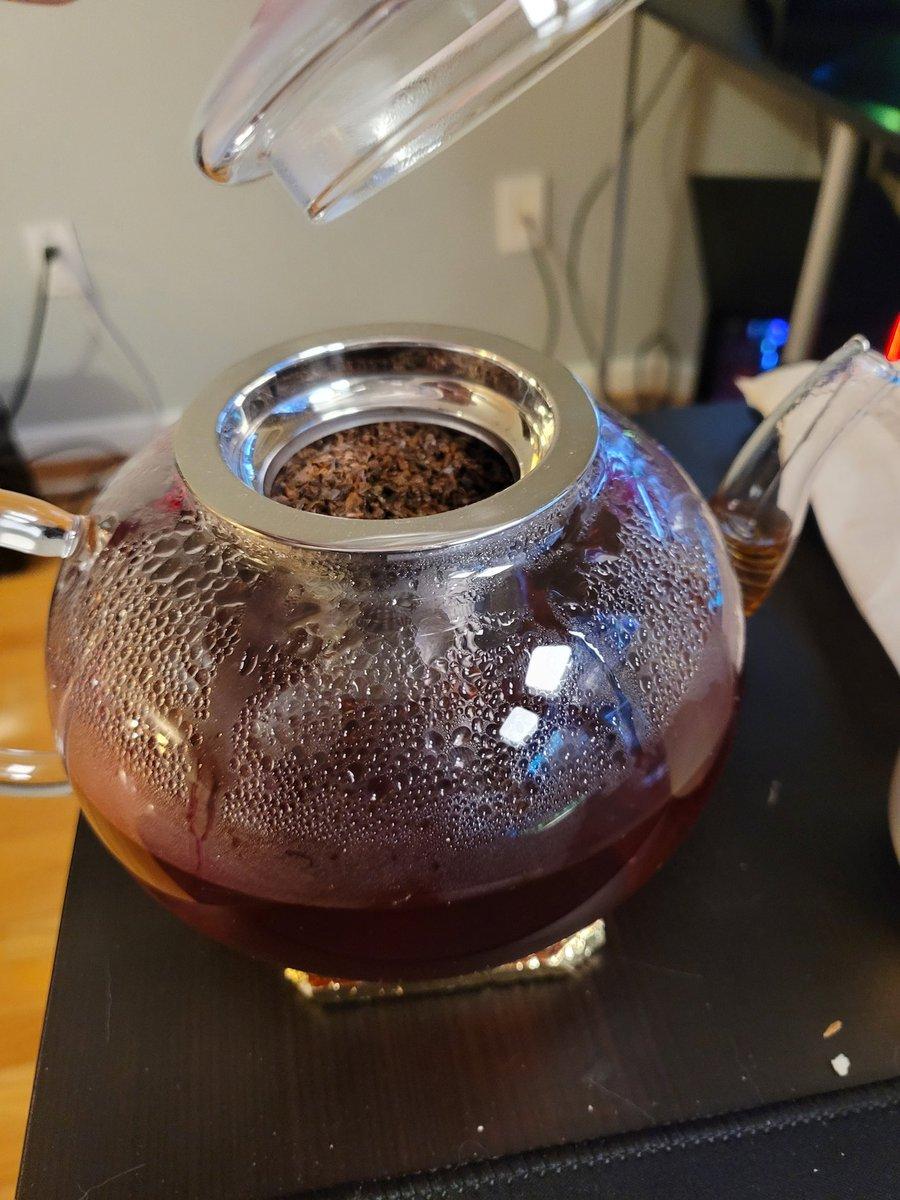 Kephrii - I made a pot of tea. I feel sophisticated.