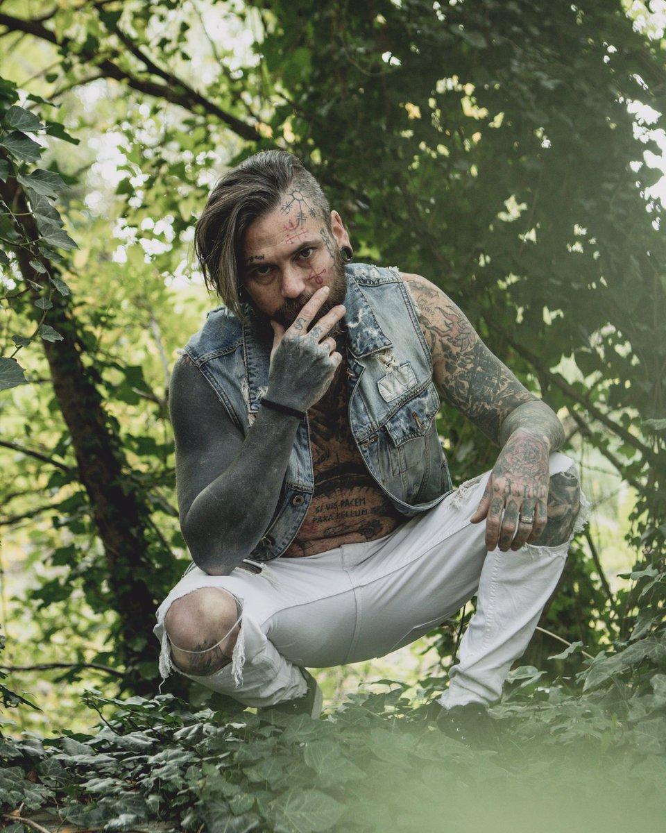 #GRAMMYs #alternative #Dynamite #charliezdevilz #tattoo