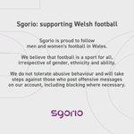 Image for the Tweet beginning: Sgorio: cefnogi pêl-droed Cymru  Sgorio: supporting