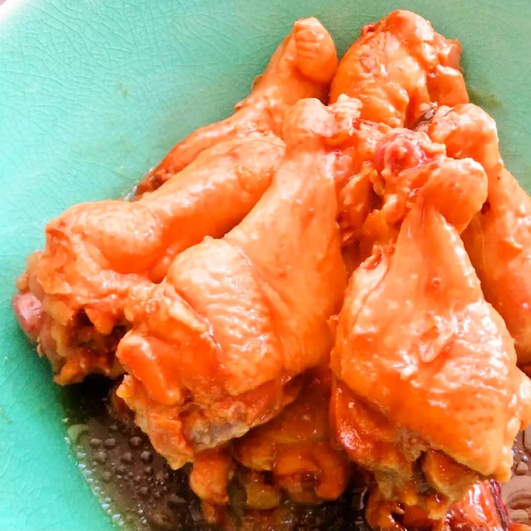 クックパッドで公開中の私のレシピをご紹介♪☺コーラで簡単♪鶏手羽元のコーラ煮☺ by hirokoh コーラと醤油だけで美味しく作れる手羽元のコーラ煮です🐔#料理好きな人と繋がりたい#Twitter家庭料理部#お腹ペコリン部#おうちごはん #クックパッド#cookpad #YouTube