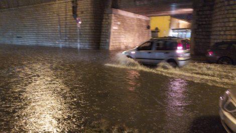 Forte temporale a Termini Imerese, strade e case allagate, 40 interventi dei vigili del fuoco - https://t.co/mzA55AWqTZ #blogsicilianotizie