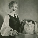 Image for the Tweet beginning: Happy #Catsgiving! Actress and cat