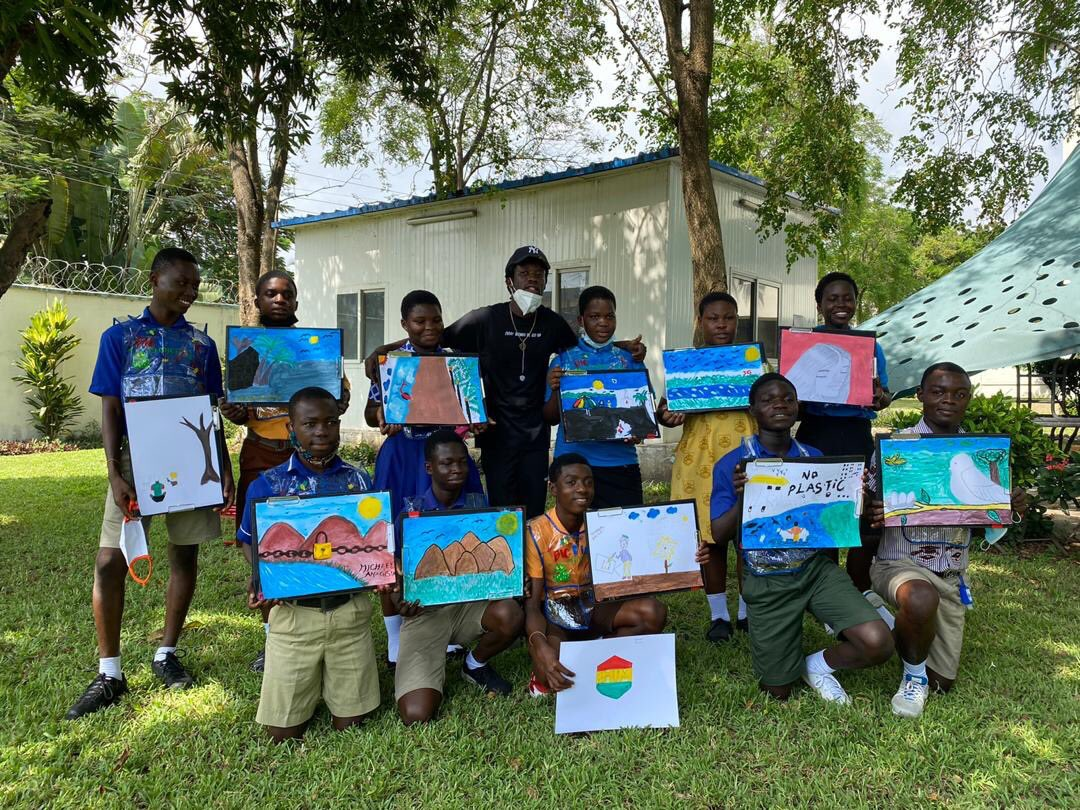 Music and visual artist, @worlasigh Joins Children To Reimagine A Better Future For World Children's Day 2020. https://t.co/wft1YhCNK4 #Charlie18 https://t.co/dUmSBSrxC5