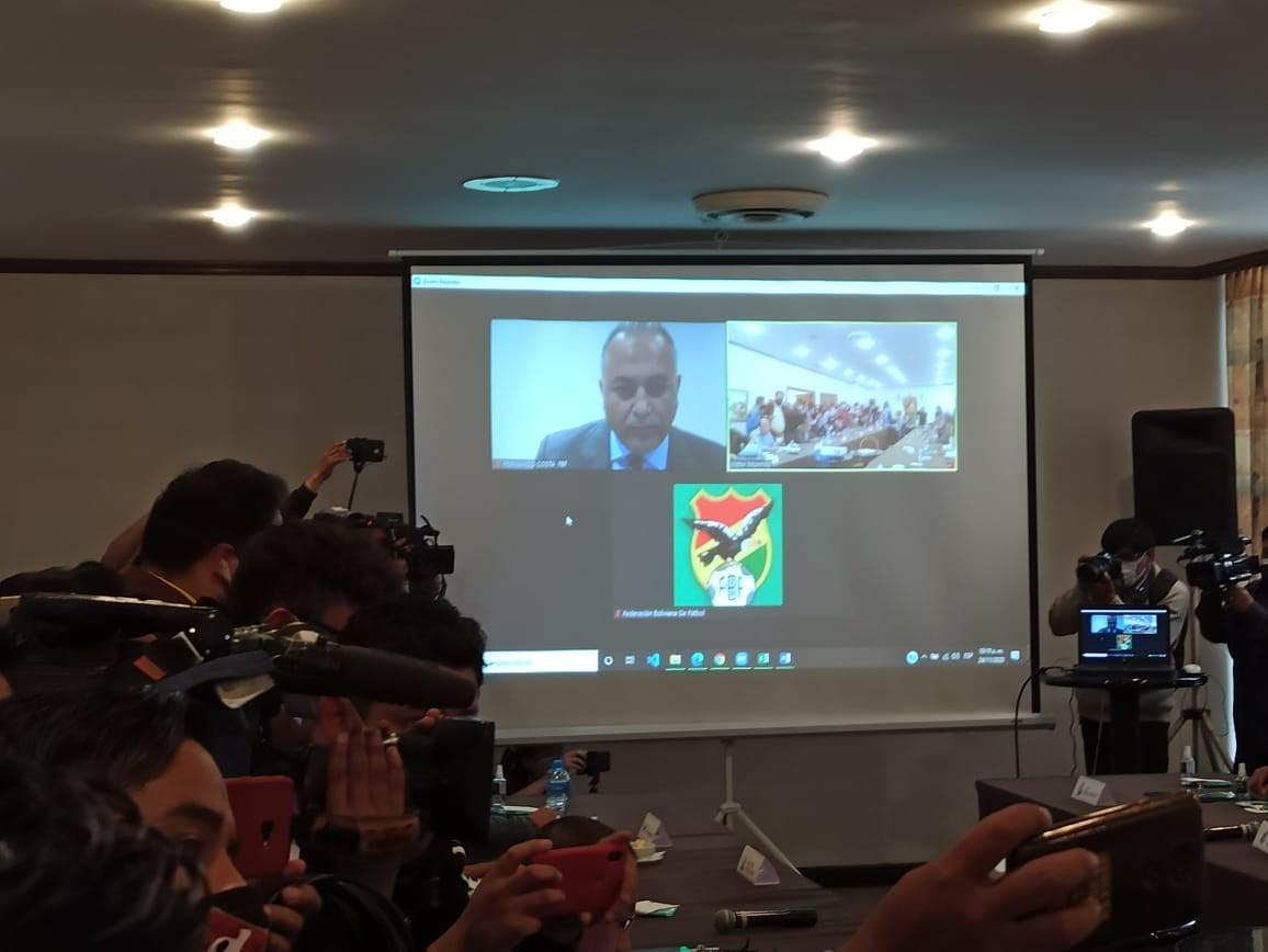 En #LaPaz comenzó el concejo de clubes de la #FBF, presidente #FernandoCosta dirige la reunión desde Paraguay vía zoom.