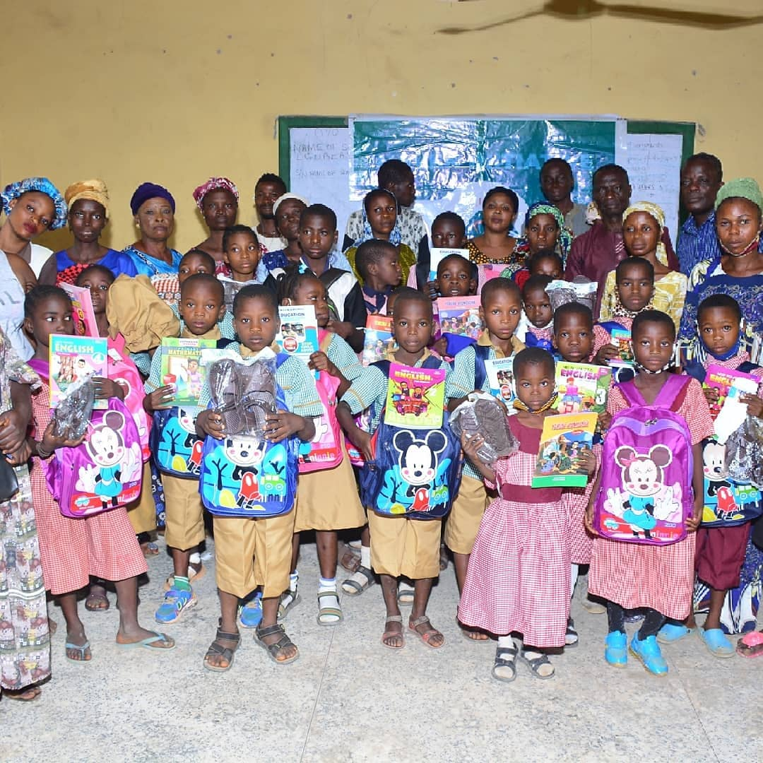 In commemoration of World Day for prevention of Violence and Abuse against children / World Children's Day, we provided A pair of School Uniform Socks Sandals Stationeries School Bag 24 Exercise Books 3 textbooks each etc Supporting children is our responsibility. #chidsrights https://t.co/vnzfiwMnf4