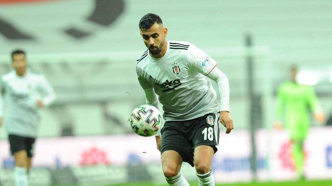 """Rachid Ghezzal'ın abisi Abdülkadir Ghezzal: """"Rachid belki gol atamıyor, asist yapamıyor ama Türkiye'de seviliyor. Saygı görüyor. Çünkü orada İtalya, Fransa ya da İngiltere'deki gibi taraftarlar sadece sonuca bakmıyor. Sahada yüreğini koyduğu için onu seviyorlar"""" (Liberation) https://t.co/q8OaGxAUZ8"""