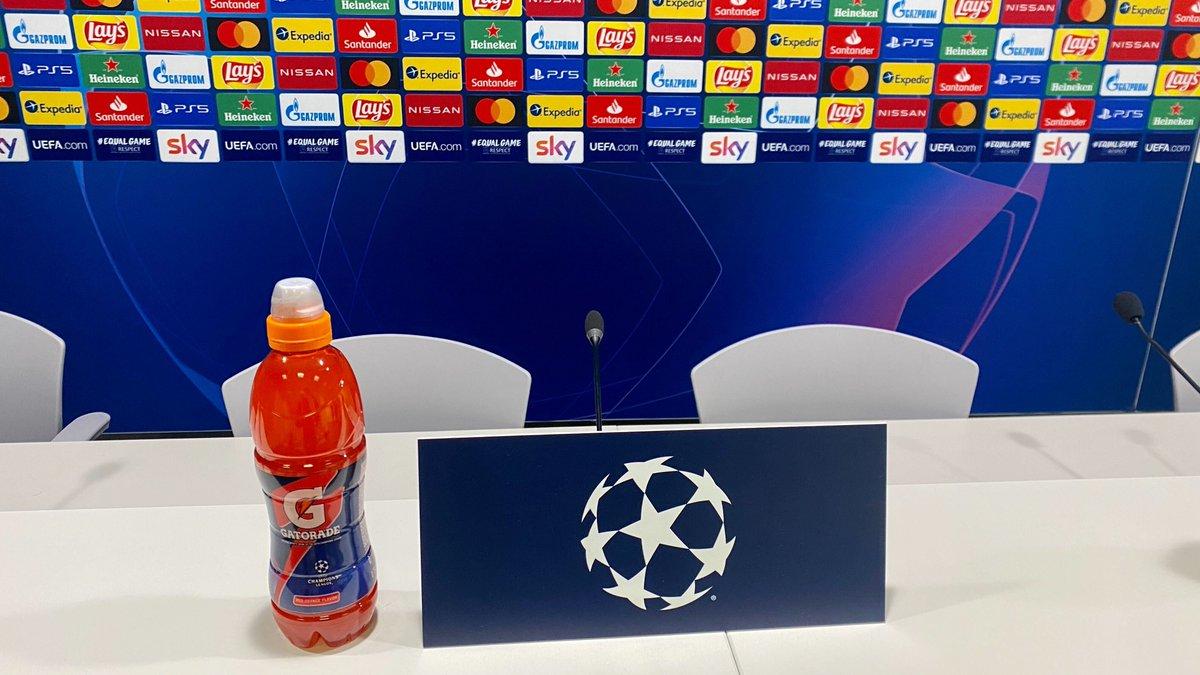 🎙️⚽️⏳ En unos minutos arranca la rueda de prensa previa al encuentro de @LigadeCampeones frente al @Inter_es.   #HalaMadrid | #RMUCL
