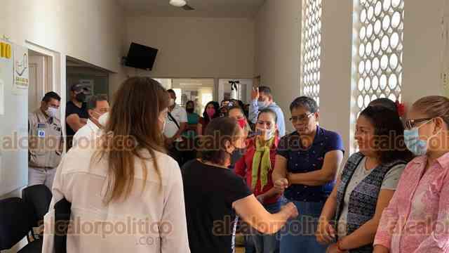 #NoticiasAlCalor 🔥| Rinde protesta Alcaldesa suplente de #Jamapa. Martha Montero Villavalzo llega en lugar de la edil asesinada, Florisel Ríos Delfín. https://t.co/V50AFR004B #ChecaloEnAlCalor https://t.co/2fOomh3uPP