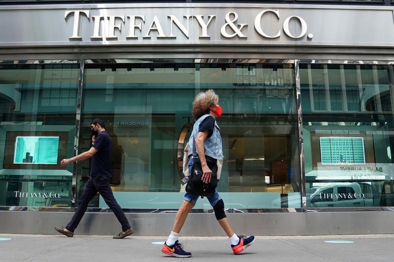 Tiffany beats profit estimates on soaring China demand https://t.co/gLrAoV7tLw https://t.co/jMnHeVxxDw