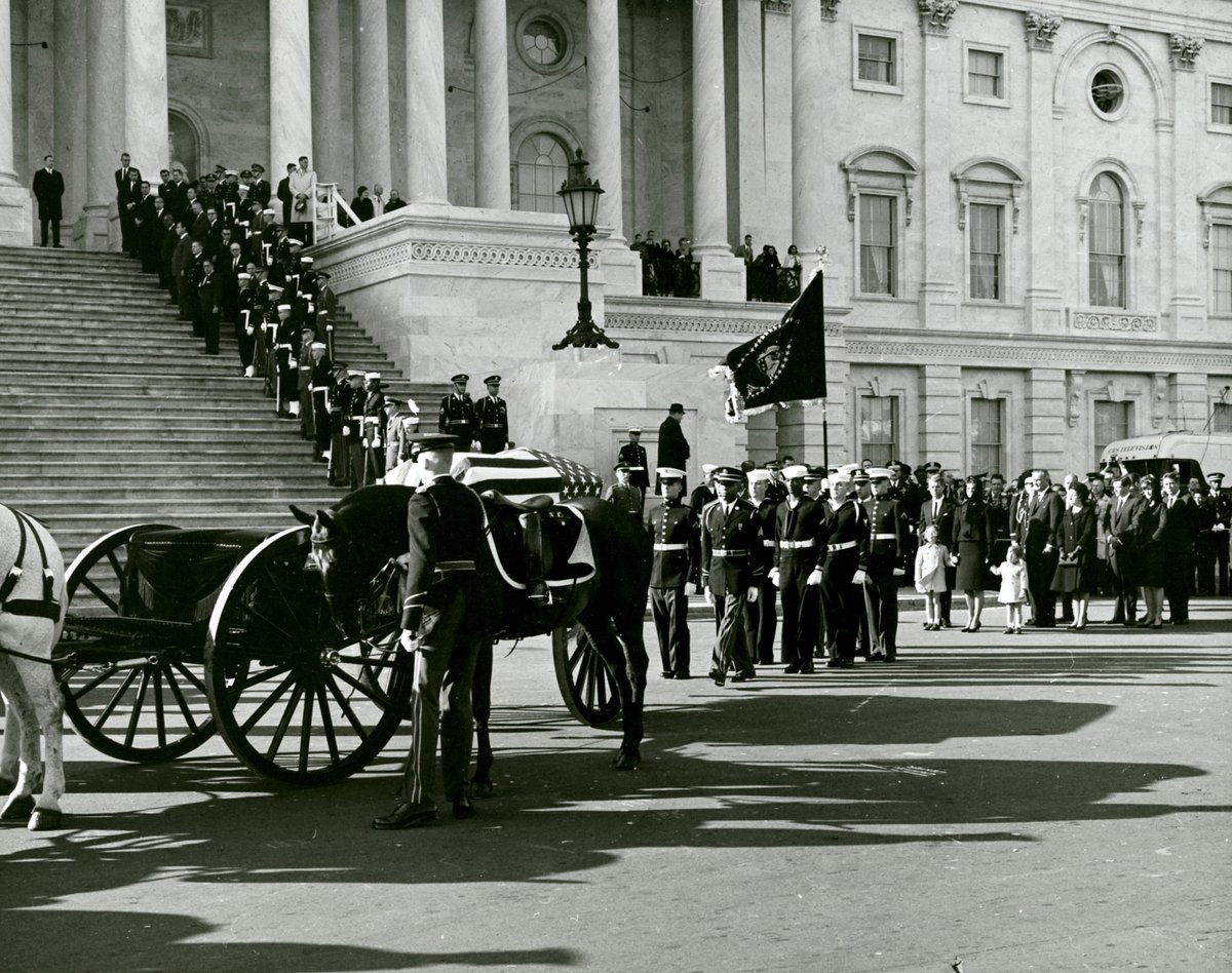 """Holding her children's hands, walking behind JFK's casket, Jacqueline Kennedy wept as she heard """"Hail to the Chief"""" played at Capitol, just like when her husband had taken oath of office 2 years and 10 months earlier—today 1963: https://t.co/zbjOUT5KtZ"""