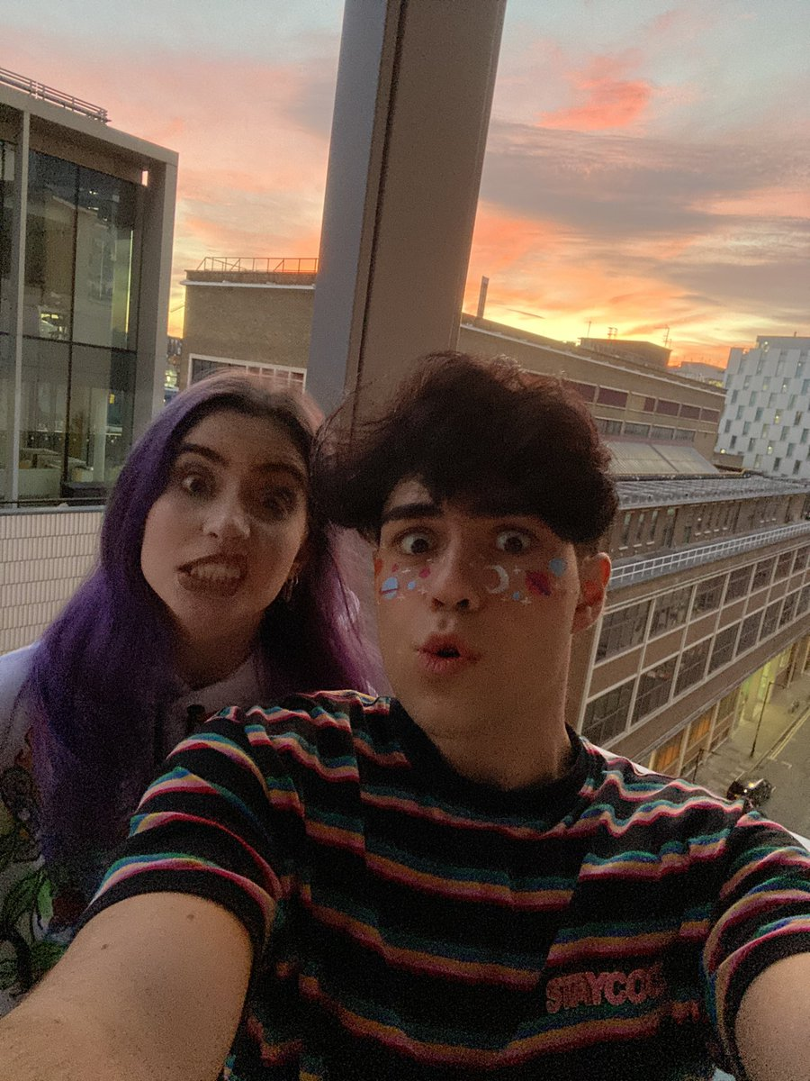 we tried to go to the roof to get pics but ended up getting locked in the stairs and having to walk down 15 flights but anyways heres selfies from a balcony