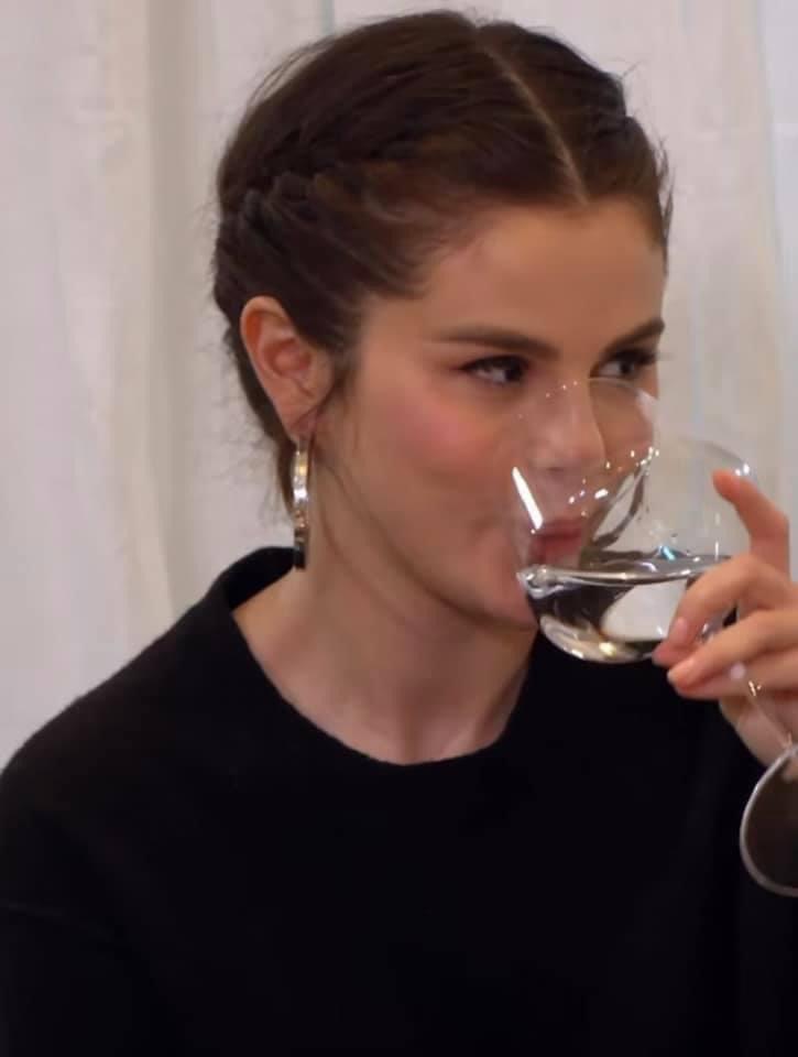 Selena Фото,Selena Тwitter тенденция - верхние твиты