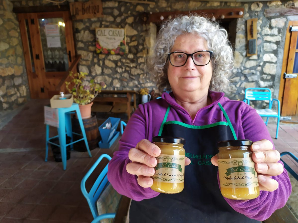 Us agraden les #melmelades? Als lots de #Nadal de #DonesMónRural trobareu els productes de la Núria Rosell de Cal Casal Ossera:  🍏LOT 1: Melmelades de #poma i #pera 🍏LOT 3: Melmelada de poma amb #canyella  Aviat tancarem el període de comandes! Afanya't! https://t.co/LijlKYazg1 https://t.co/OxK3SwkLtL