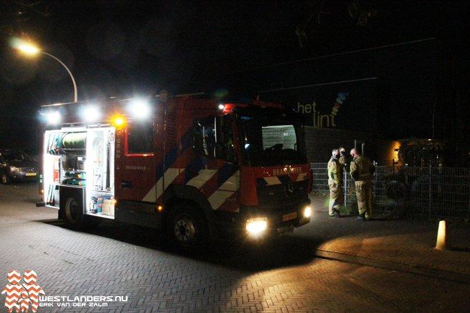 Brandgerucht bij gymzaal Achterdijkshoorn in Den Hoorn bleek een klein brandje te zijn. https://t.co/OhRGv82Vad