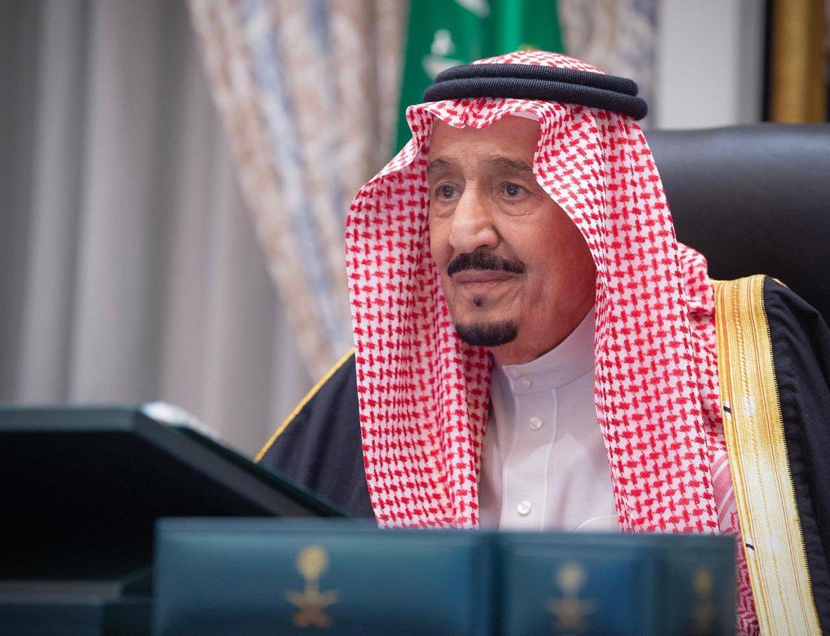#مجلس_الوزراء ينوه بما اشتملت عليه كلمات #خادم_الحرمين_الشريفين خلال أعمال قمة قادة دول #مجموعة_العشرين، وما حملته من رسائل إنسانية عميقة، ورؤى شاملة وحلول من أجل عالم ينعم بالصحة والرفاه. #نجاح_قمة_العشرين_بالسعودية https://t.co/5kfYl92NgC