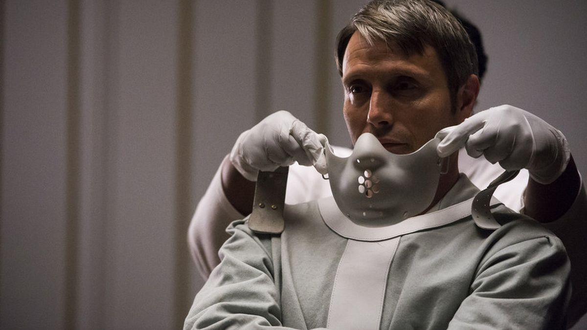 Mads Mikkelsen says if 'Hannibal' S4 happens, 'we would love to go into 'Silence of the Lambs''  '[We'd] do all kinds of crazy stuff with it... We'd switch around the genders and maybe even put two characters into one'  (via @IndieWire | https://t.co/wfbvr4FZaF) https://t.co/bmPIDBwPCB