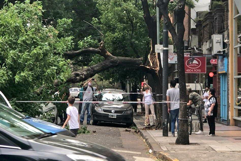 Alerta Meteorológico - que ya afectó EL TRÁNSITO y a los vecinos del Barrio de Palermo - Precaución - @verorosalesok @RadioDelPlata @marcoscittadini
