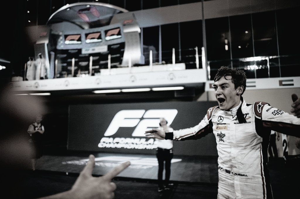 🏆💙  As 7 vitórias de @GeorgeRussell63 na temporada de 2018 na F2  Segue o fio ⬇️  #F1  #F2  #GR63 https://t.co/0EscyWbdpm