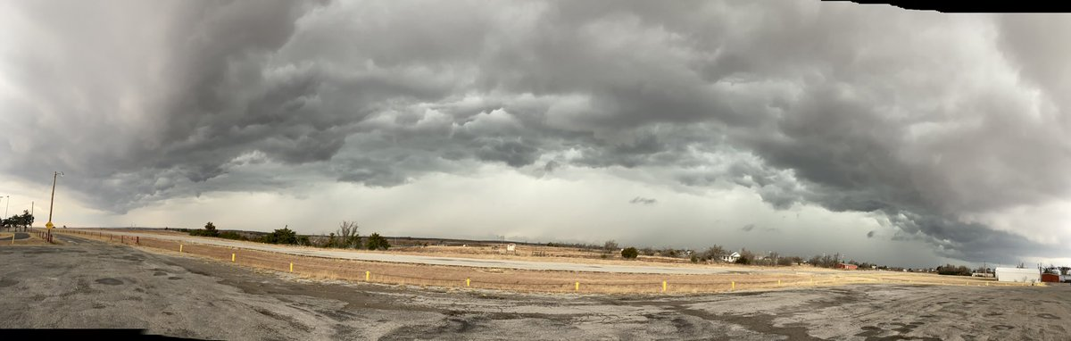 Looking west from Vici @ 3:30 pm on 11.24.20 #okwx