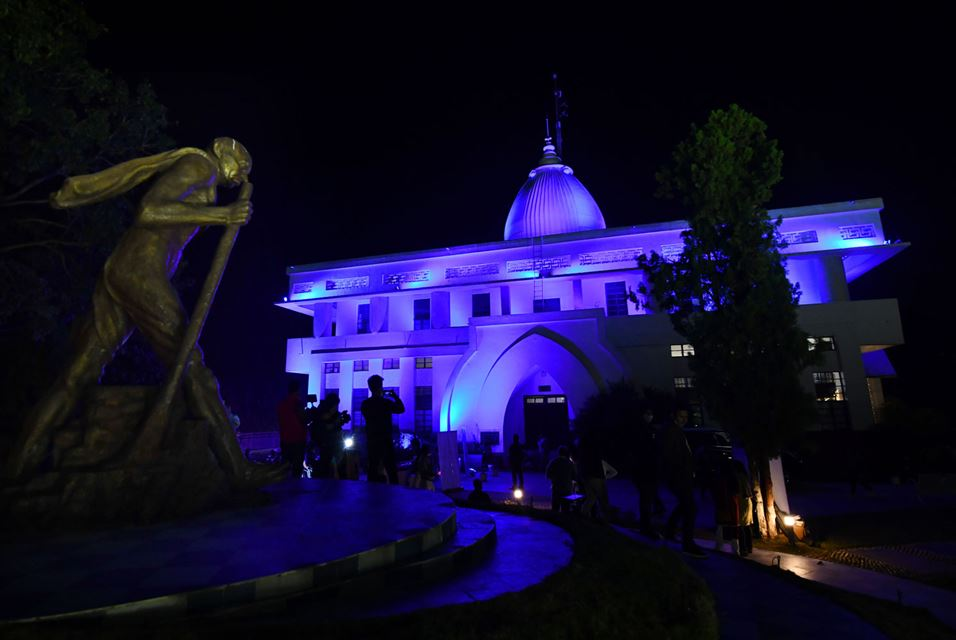 Gandhi Mandap museum is seen lit in blue on the occasion of the World Children's Day in Guwahati on November 20, 2020 as part of a campaign for children's rights during the Covid-19 coronavirus pandemic. Biju BORO / AFP https://t.co/ZXZ5w8NPje