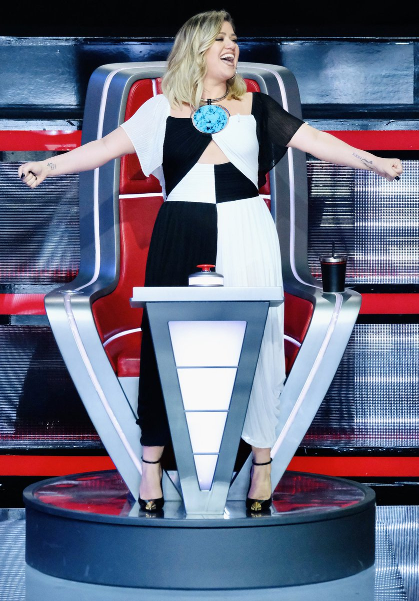 Last night of knockouts! Let's have some fun 🎉  #TeamKelly #TheVoice