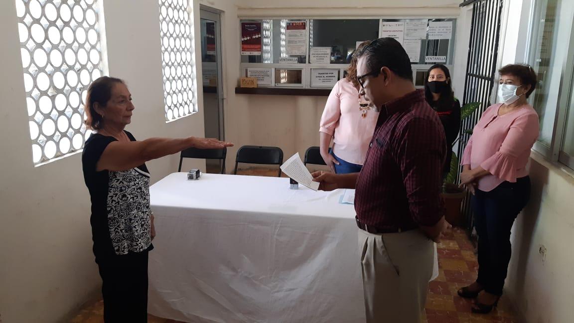 #AlAire Toma protesta Martha Montero Villalvazo, como alcaldesa suplente del municipio de #Jamapa en Veracruz,  trece días después del asesinato de la alcaldesa Florisel Ríos Delfín. https://t.co/7wzWx9BPTg