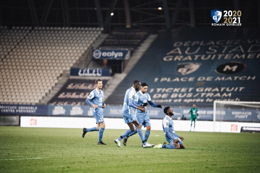 Ligue 2 : Avec un but de Mamadou Diallo, Grenoble bat Nancy et devient nouveau dauphin du Paris FC ► https://t.co/4lrcHQsz4w  #Senegal #wiwsport https://t.co/sAiD13uYUL