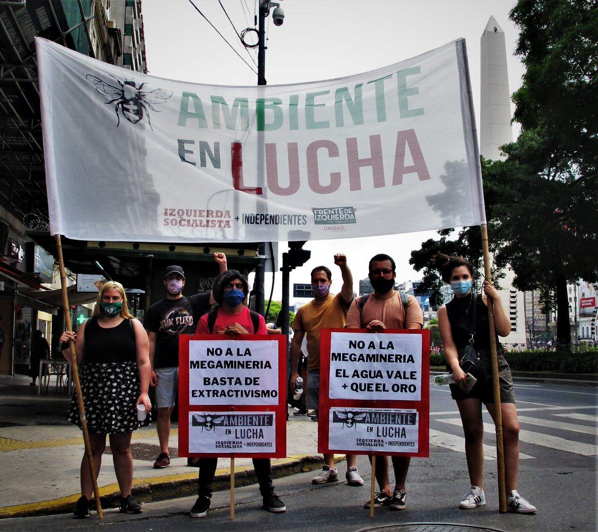 """Hoy estuvimos en la Casa de la Prov. del Chubut junto con @GiordanoGringo . El pueblo de Chubut está en las calles diciendo """"no a la mina"""". Sigamos apoyándolos y combatiendo la política ecocida de los gobiernos.  #elaguavalemasqueeloro #la5001nosetoca #NoALaMegamineriaEnChubut"""