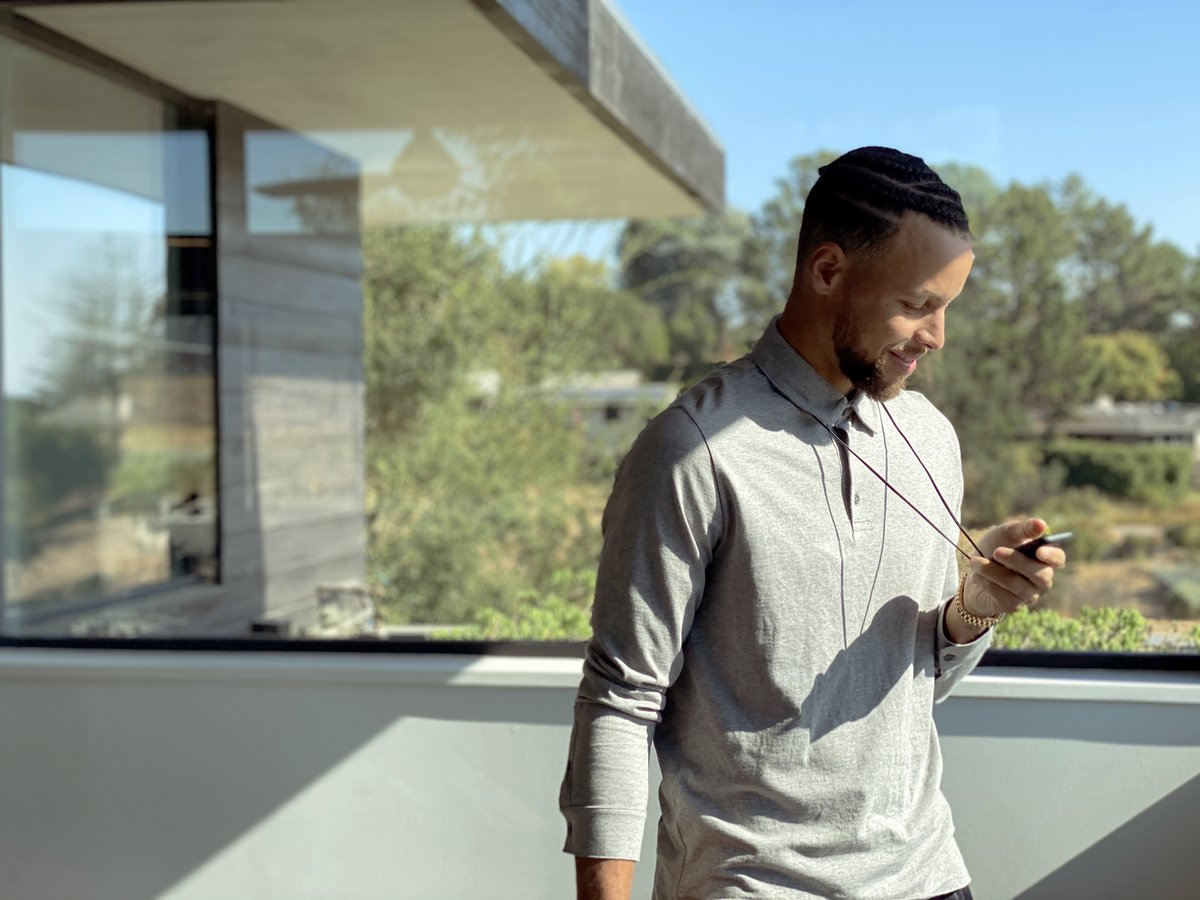 Why Palm is the perfect gift, no matter who's on your list. Just ask @StephenCurry30  #PalmPhone #LifeMode #SC30